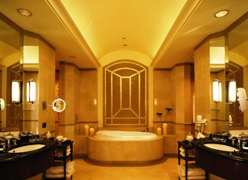 royal-suite-bathroom
